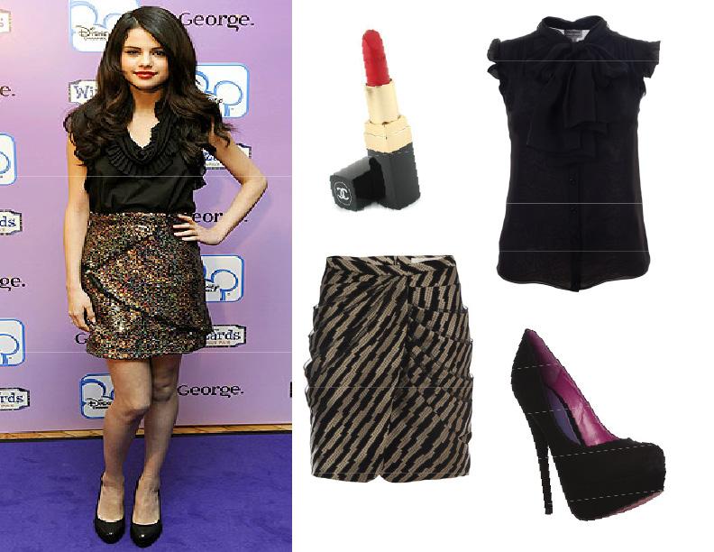 selena gomez toes. Above left: Selena Gomez,